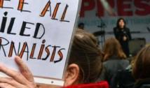 Dictatura pumnului în gură: Turcia, țara cu cei mai mulți jurnaliști ÎNTEMNIȚAȚI. În Rusia sunt preferate asasinatele