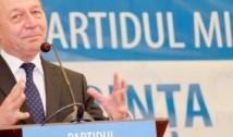 Traian Băsescu deschide lista PMP de candidați la europarlamentare. Cine sunt ceilați care candidează
