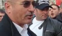 VIDEO Un alt NIMIC din PSD. Un deputat a înjurat un protestatar și a fost cât pe ce să lovească un alt manifestant