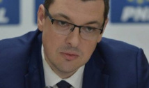 Ovidiu Raețchi, front comun cu Realitatea TV: Autoritarismul tâmp marca Dragnea-Dăncilă nu va opri aflarea adevărului în cazul 10 august!