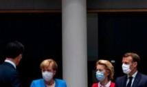 Tensiuni uriașe la summitul european pentru relansare economică. Președintele Emmanuel Macron a lovit cu pumnul în masă de nervi