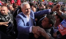 DOCUMENT EXCLUSIV Contractul semnat de PSD cu transportatorii care i-au CĂRAT pe fanii lui Dragnea la mitingul de la Iași. Au închiriat SUTE de AUTOCARE