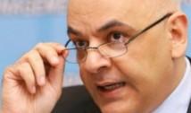 În loc să-și dea demisia, Raed Arafat sfidează românii prin două reacții incalificabile