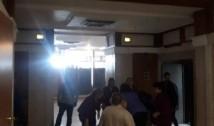 Scene incredibile la ușa lui Rădulescu-Mitralieră de la Parlament. Angajatele instituției au devenit servitoarele personale ale deputatului-condamnat