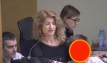 """Spectacol grotesc la Primăria Generală unde a fost adus și expus un copil cu autism în semn de mulțumire pentru """"Ceaușeasca Bucureștilor"""""""