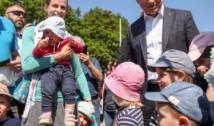 Poziție tranșantă a președintelui Poloniei în privința adopțiilor copiilor de către cuplurile LGBT, susținută surprinzător și de contracandidatul său la alegerile prezidențiale