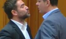 Nebunie în Parlament! Pleșoianu l-a atacat pe Rareș Bodgan și a sărit apoi să bată un deputat de la USR
