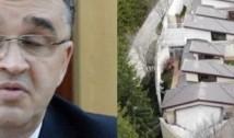 """VIDEO. Baronul PSD Marian Oprișan are ȘAPTE VILE în aceeași curte. Traficanții de droguri sud-americani ar păli de invidie dacă ar vedea ce """"hacienda"""" fabuloasă și-a tras Portofel la poalele muntelui"""