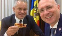 """Mister adânc: cine a comandat """"pizza de Miami"""" cu nucă și curcan la sediul-palat al PDM? Filip, Diacov și Jizdan, sau chiar Dodon? Diacov, mare amator de clătite rusești"""