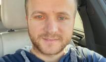 Constatare amară: Dacă pentru un senator PSD-ist deranjat la stomac s-a găsit un elicopter SMURD, activistul de mediu Daniel Bodnar nu a avut parte de același tratament, deși se zbate între viață și moarte. Rușine să ne fie