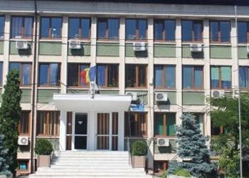 Reședința județului Teleorman cumpără până și plăcile comemorative la suprapreț