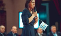 """Ioana Constantin: """"Să începem cu eliminarea pensiilor speciale pentru politicieni! Este inacceptabili să spunem că nu există o soluție!"""""""