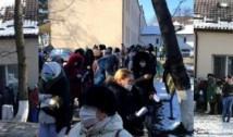 Bombă sanitară la Suceava: zeci de angajați ai spitalului, cuprinși de panică, s-au îmbulzit la coadă, așteptând să fie testați pentru COVID-19