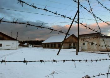 """Pregătește Putin un nou Gulag? Propaganda de stat """"justifică"""" genocidul Gulagului, insistând că lagărele au fost un """"ascensor social"""" pentru rușii de rând. Cazul Alexandru Muraru și iubirea pentru Moscova"""