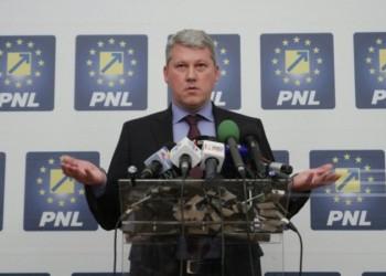 Incompetentul Cătălin Predoiu, premiat cu primul loc pe listele PNL Prahova. Tupeu incredibil