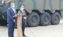 Ministrul Apărării bagă Armata în campanie electorală, în disprețul legii. Nicolae Ciucă și Ludovic Orban, candidați la Parlament, au încercat să câștige capital electoral de pe urma achiziției de transportoare blindate Piranha V