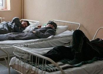 """Coronavirusul pune pe butuci sistemul sanitar românesc: """"Pe timp de izolare, ei îl trimit pe tata, aflat în categorie de risc maxim, pe drumuri"""""""