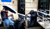 VIDEO Protestatarele PSD Codruța Cerva și Oana Lovin au agresat fizic un susținător de-al lui Vlad Voiculescu. Jandarmii au asistat la întreaga scenă fără să intervină prompt