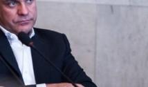 """Pe cine SUSȚINE România? Armand Goșu: """"Reacția Bucureștiului mai degrabă îl SPRIJINĂ pe Plahotniuc și regimul care încearcă să supraviețuiască la Chișinău"""""""